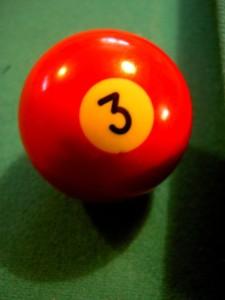 שלוש כדור סנוקר