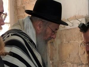"""הרב טאו. ראש """"רבני הקו"""". תצלום: ויקיפדיה"""