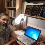 הרב מיכאל אברהם: תומך בחוק הפונדקאות; מתנגד לחוק שמונע נישואין חד-מיניים; תוקף את אזהרת משרד הבריאות