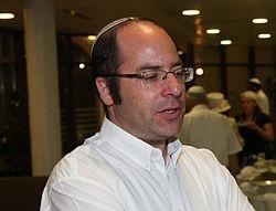 הרב בזק. תצלום: ויקיפדיה