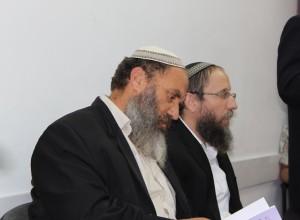 """הרב רא""""ם הכהן (משמאל). תצלום: בקדושה"""