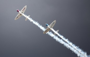 מטוס מטוסים שתיים שניים