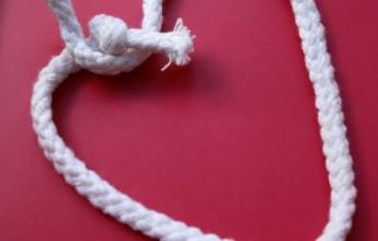 לב קשר קשירה קשור אהבה שבור שבירה